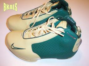 lbj pe nike 2k3 green gold LeBrons non signature shoes: Nike Basketball 2/2