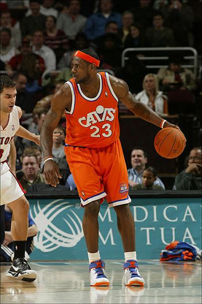 Listing updates NBA photos