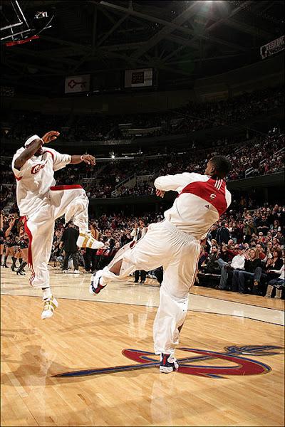 NBA photos toe injury Zoom LeBron IV2055