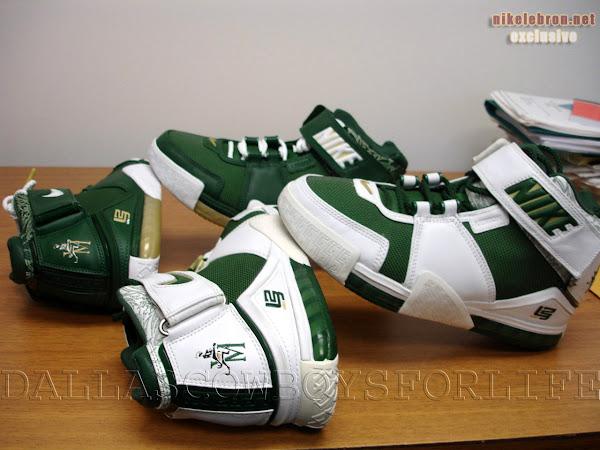 Nike Zoom LeBron II SVSM