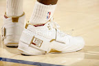 lbj soldier wht gld 4 LeBrons 2007 Playoffs Sneakers   Zoom Soldier PEs