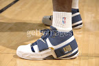lbj soldier wht nav0 1 LeBrons 2007 Playoffs Sneakers   Zoom Soldier PEs