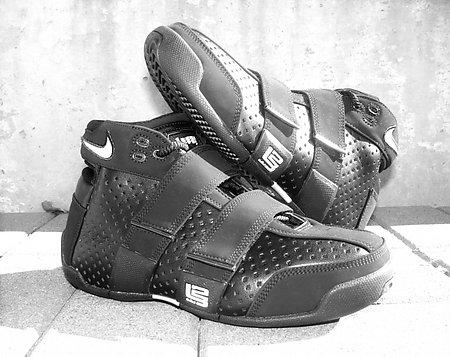 262600a1084 lebron james shoes 23 new michael jordan tennis shoes