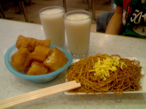 海皇粥店(油炸鬼+炒麵+豆漿x2)