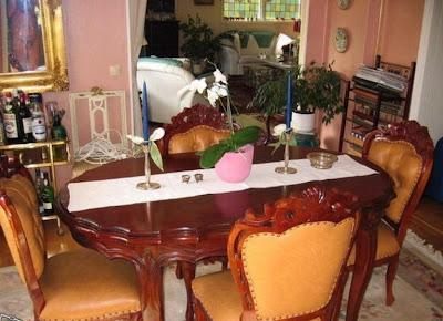 Der geheimnisvolle Tisch