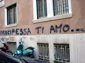 Urban Love on the streets of Rome - Principessa Ti Amo