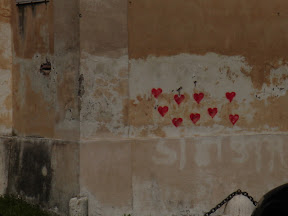 Urban Love on the streets of Rome - Red Hearts