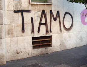 Urban Love on the streets of Rome - Ti Amo