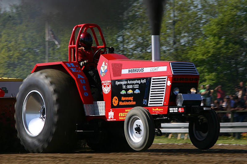 Tractor Pulling Engines : Tractor pulling news pullingworld short report herning