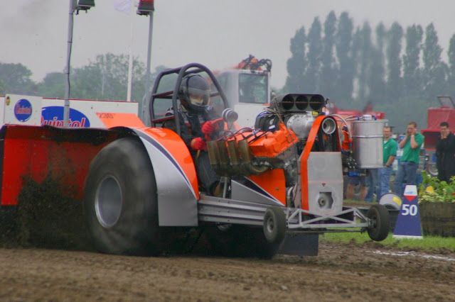 tractor pulling news tractor pulling. Black Bedroom Furniture Sets. Home Design Ideas