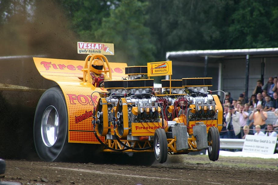 Tractor Pulling Engines : Tractor pulling news pullingworld