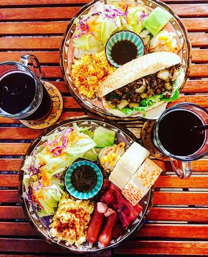 餐點都是自己料理且現點現做,好吃又美味,吃的出店家的用心,環境佈置的很溫馨,老闆們又很親切,是ㄧ間很棒的早午餐選擇。