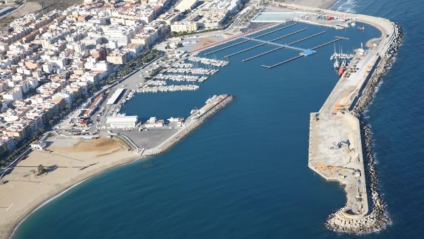 Vista general del puerto de Garrucha.