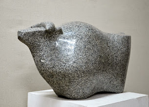 Photo: 67x33x23 cm, granite, Bull, 2014