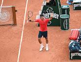 Federer stuurt grandslamwinnaar huiswaarts en ook Rafa en Novak winnen, Barty moet geblesseerd opgeven