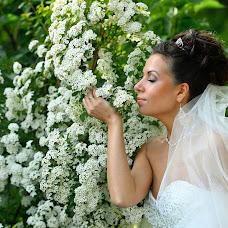 Wedding photographer Evgeniy Petrov (NikonFX). Photo of 19.10.2015