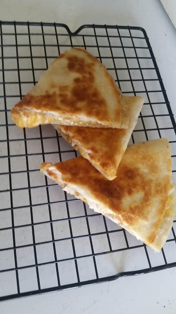 Chicken Quesadillas With Creamy Jalapeño Sauce Recipe