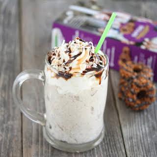 Samoas Milkshake.
