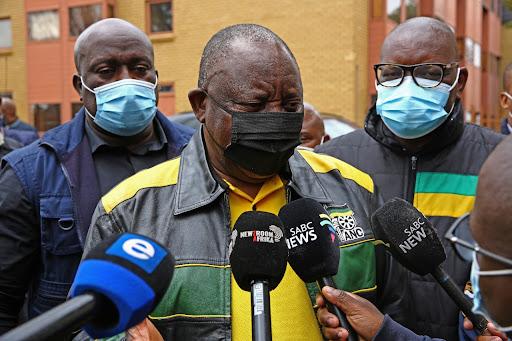 Tsek! Soweto residents with no power give Ramaphosa a hostile reception