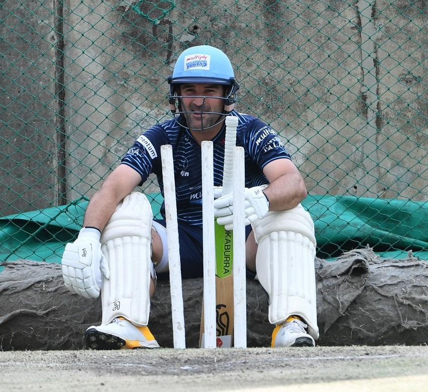 Dean Elgar available for the Titans as Cricket SA season start looms in the horizon