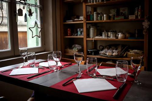Tables du restaurant à Pontoise L'arbre Blanc