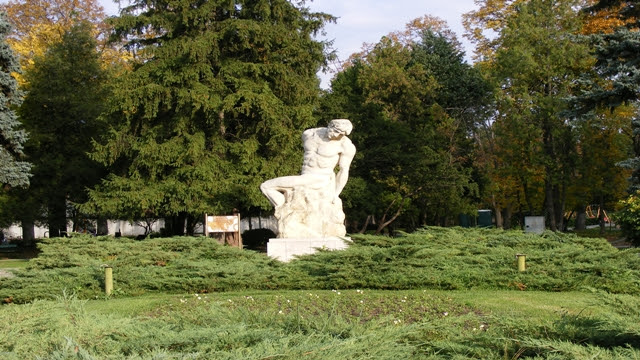 Giant statue in Carol Park Bucharest