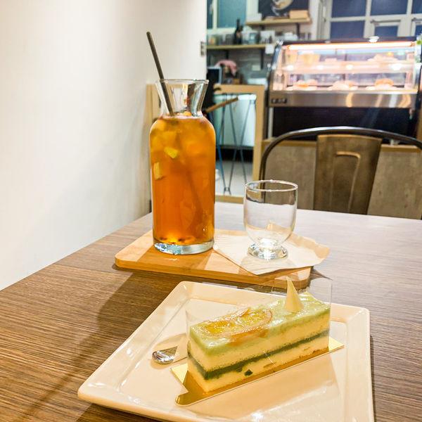 台北/美食/下午茶丨拾伍窩cafe。位於中山捷運站附近,散發著老宅韻味的不限時咖啡廳,片刻遠離城市的喧囂