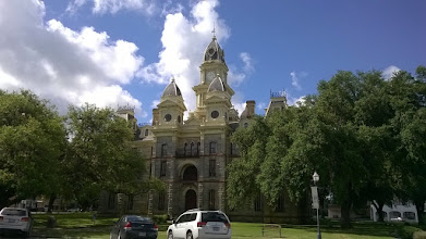 Photo: Goliad County courthouse