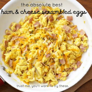 THE BEST HAM & CHEESE SCRAMBLED EGGS