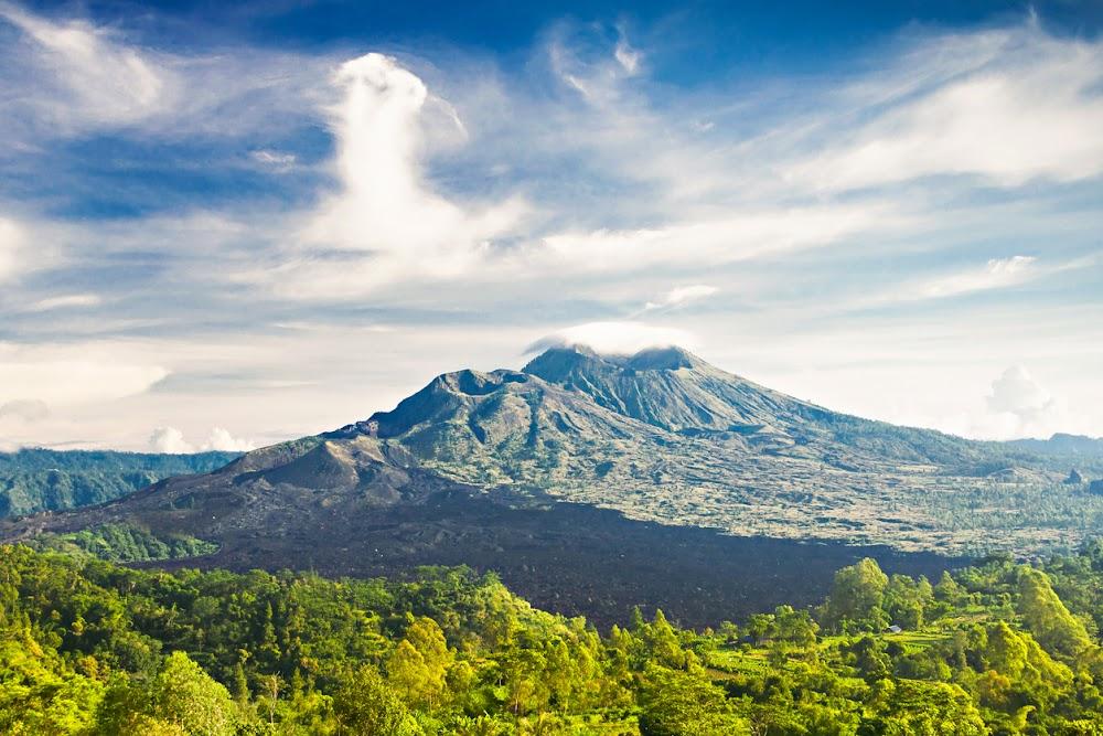 Eruption fears as 57,000 flee Bali volcano amid tremors
