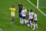? Nieuwe controversiële beslissing op WK damesvoetbal: interpretatie van de ref of verschil mannen-vrouwen?