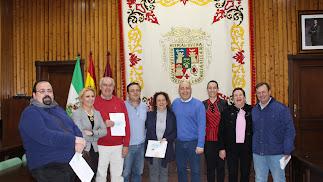 Representantes de las cofradías y del Goierno local.