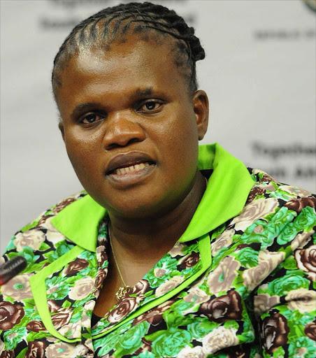 Muthambi en voormalige voorsitter van die SAUK, Tshabalala, het verslag gedoen oor inmenging by die openbare uitsaaier - SowetanLIVE Sunday World