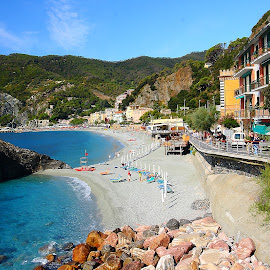 Cinque Terre - Monterosso beatch (IT) by Gérard CHATENET - City,  Street & Park  Vistas