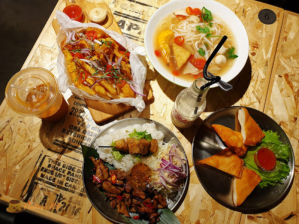 東門市場泰式小吃開二店嘍~曼谷市場-巨城店