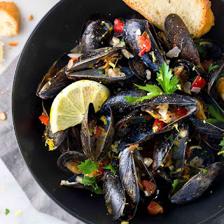 Steamed Mussels with White Wine and Garlic.