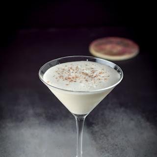 Dangerously Delicious Almond Joy Cocktail Recipe