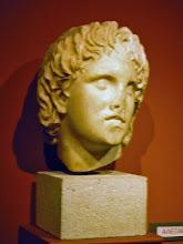 Photo: Hoofd van de jonge Alexander