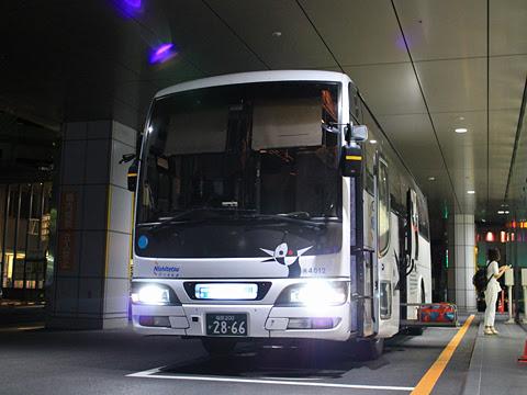 西鉄高速バス「桜島号」夜行便 4012<br /> 鹿児島中央駅前改札中 その2