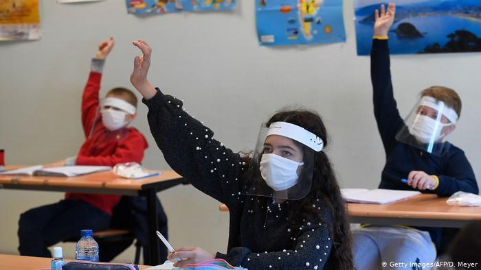 Деякі дослідження свідчать, що діти навряд чи є розсадниками коронавірусу