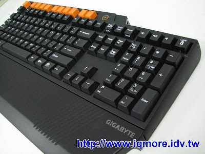 技嘉(Gigabyte) GK-K8000 機械式電競鍵盤 評測搶先曝光