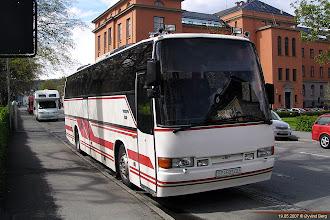 Photo: G#: DF 93100 ved Nidarosdomen, Trondheim, 19.05.2007. Jan Gjemse Busstransport, Meråker.
