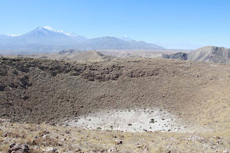 Photo: Vista del Chachani desde el crater Volcan Nicholson