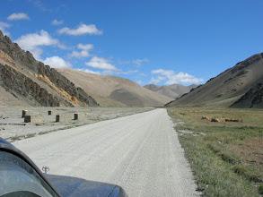 Photo: Landscape between Nyalam and Tingri