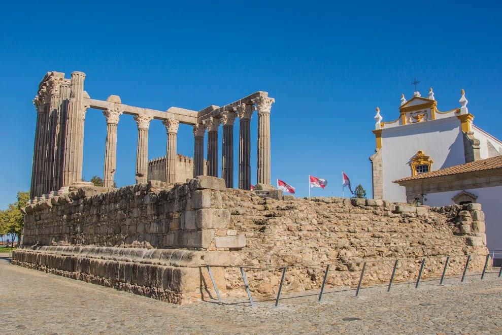 evora-romeinse-tempel