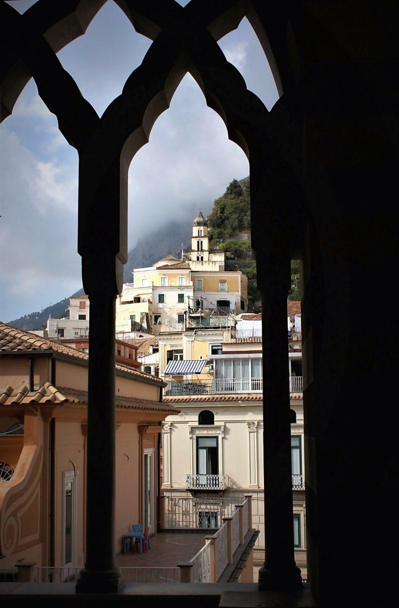 La chiesa e le colonne di paolo-spagg