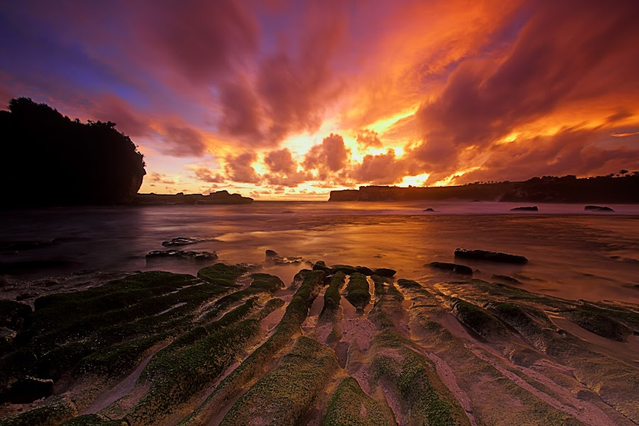 Burning sky by Setiono Joko Purwanto - Landscapes Waterscapes ( pacitan, klayar, sunset, east java, cloud, beach )