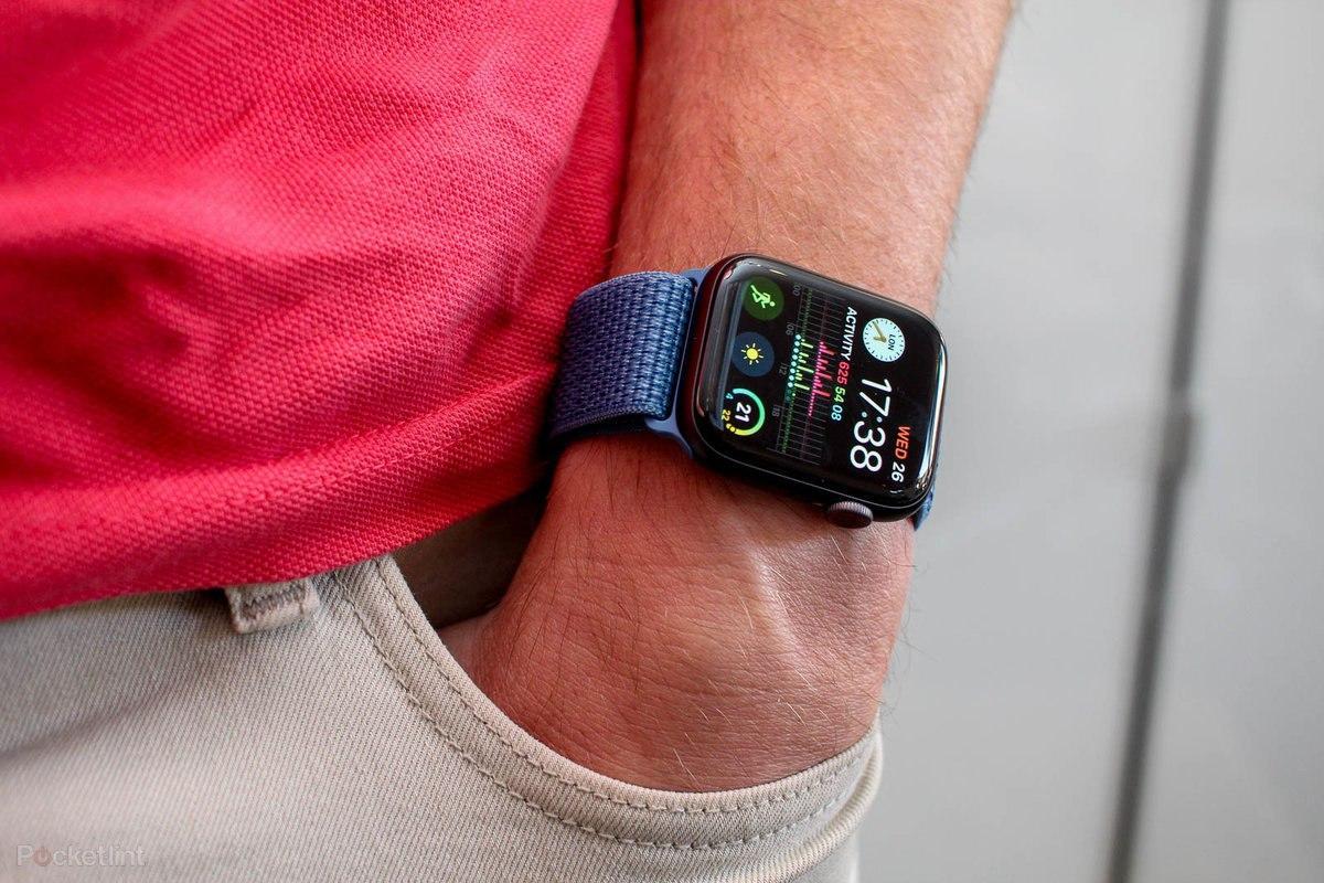 montre Apple Watch et trackeur d'activités