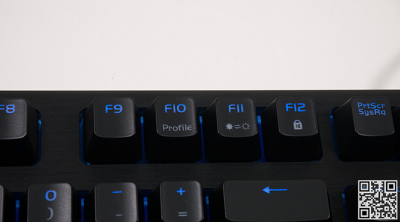 Đánh giá chiếc phím cơ Tt eSPORTS Poseidon Z Forged