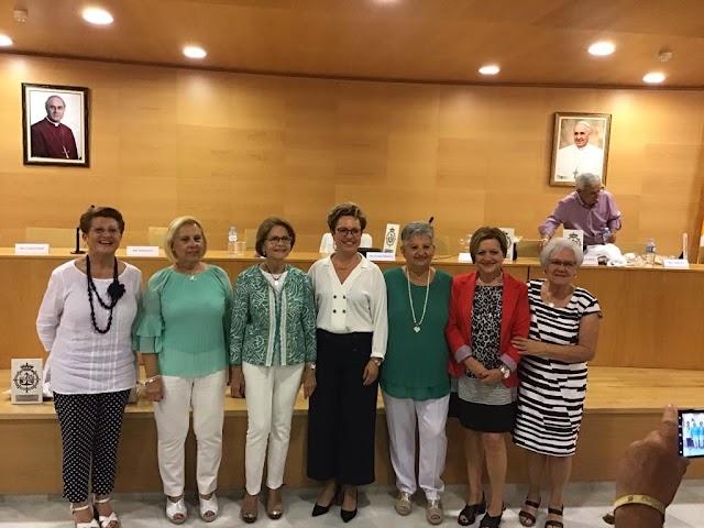 Isabel García, M. Carmen Pantoja, Gádor Medina, Carmen Villanueva, Cachita Hidalgo, Adela Requena y Carmen Ferre.